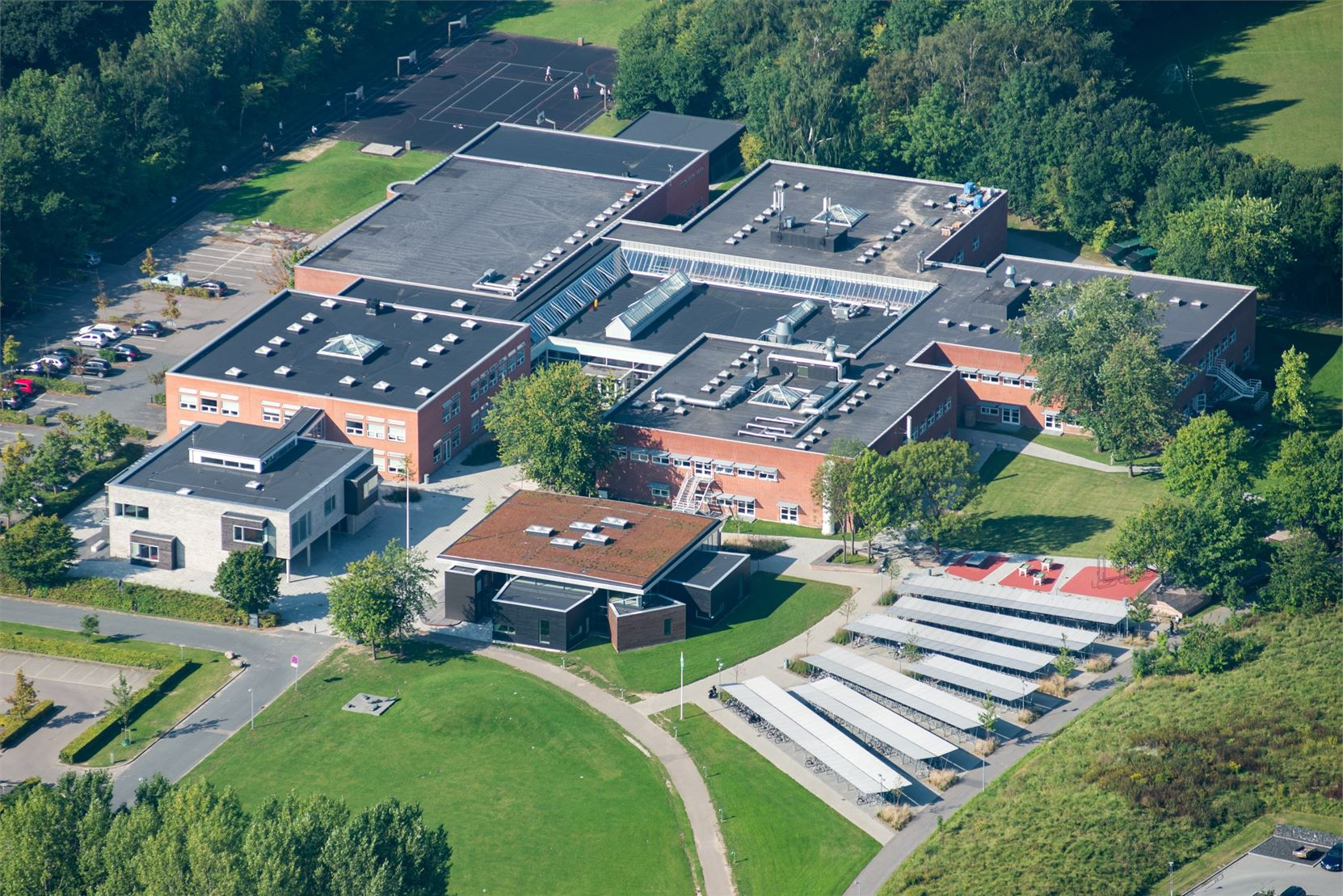 Borupgaard Gymnasium.jpg